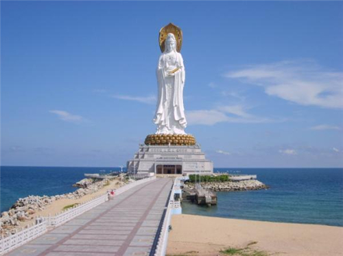 三亚南山寺矗立的108米的观音菩萨像